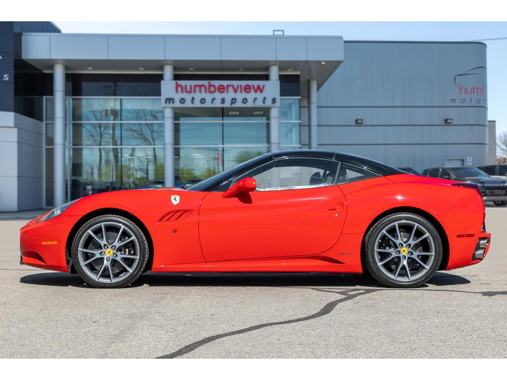 2012 Ferrari California Side