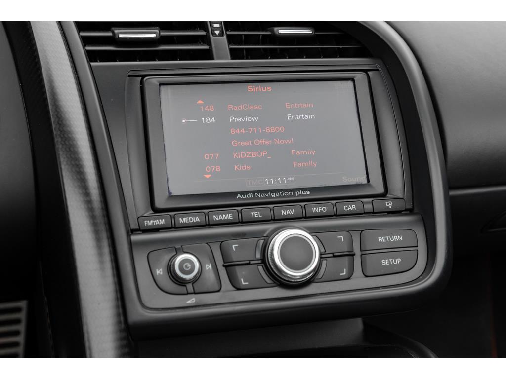 2012 Audi R8 GT Spyder Infotainment System