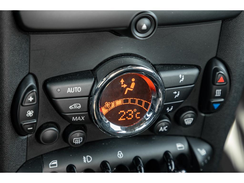2013 Mini Cooper John Cooper Temperature Controls