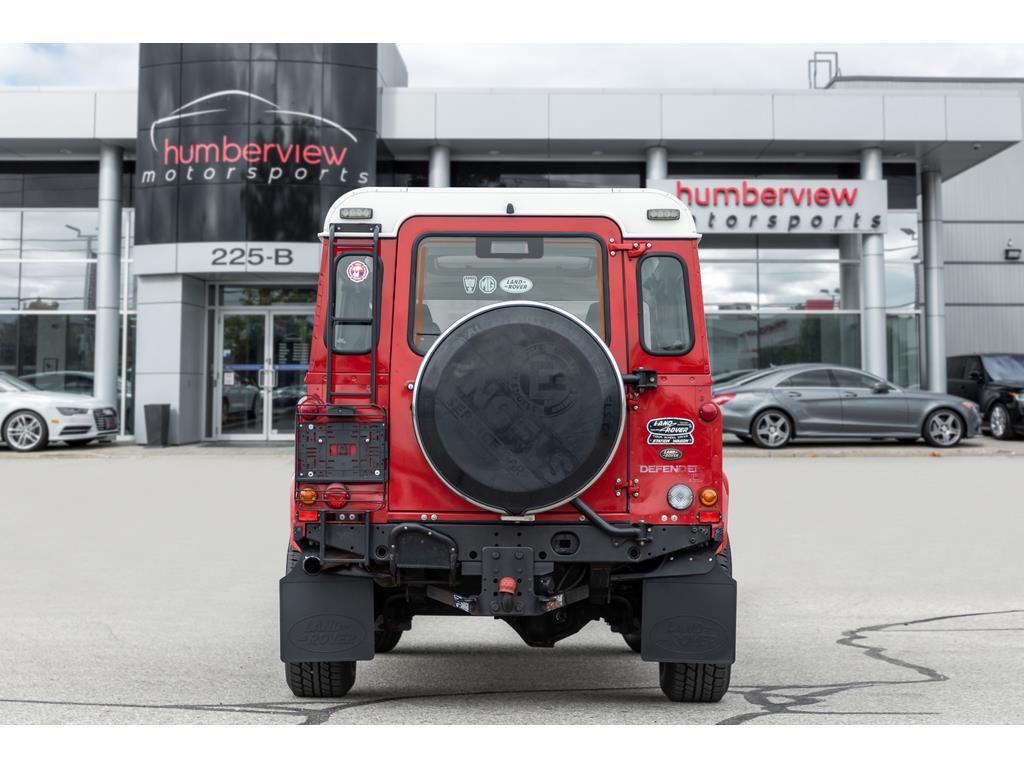 2002 Land Rover Defender Rear End