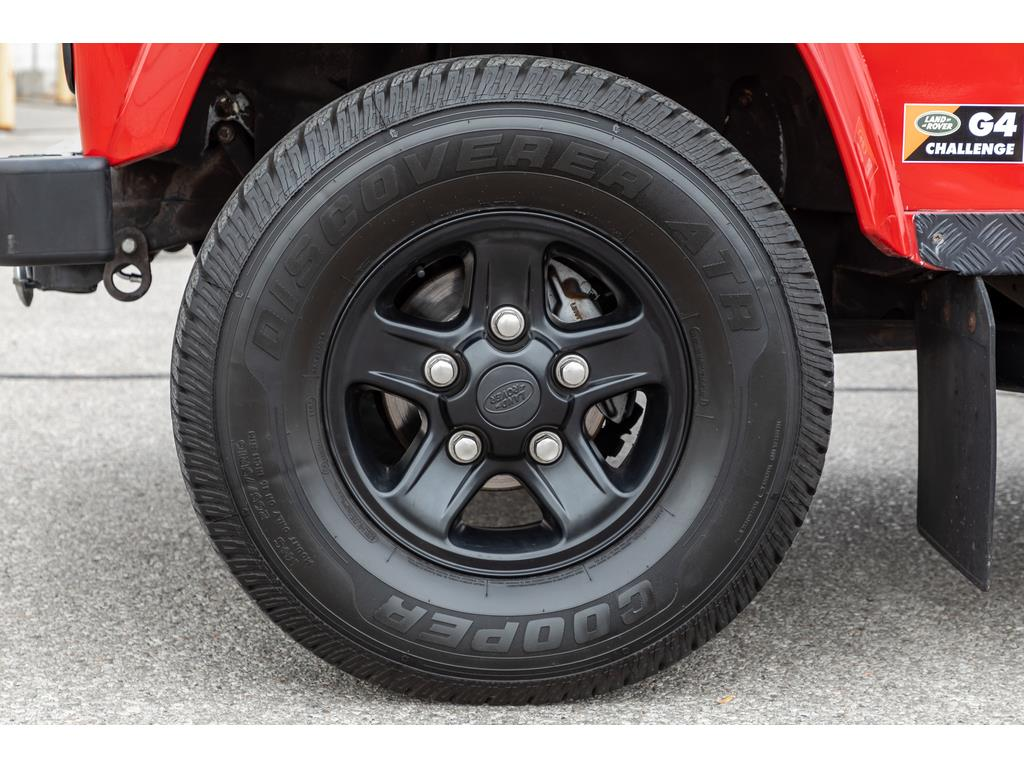 2002 Land Rover Defender Wheels and Calipers