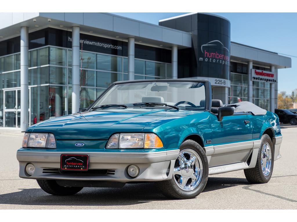 1993 Ford Mustang GT Front Quarter
