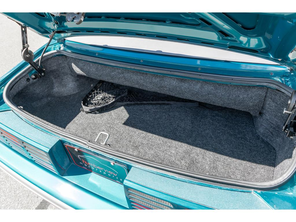1993 Ford Mustang GT Trunk and Cargo Space
